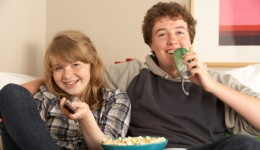 Sugary drinks may lead kids to overeat