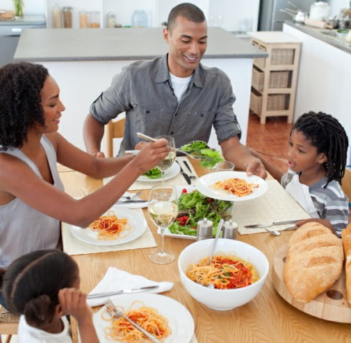 """Can the """"Clean Plate"""" rule be good for your kid's health?"""