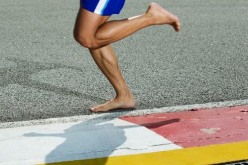 Running debate: Barefoot vs. shoes