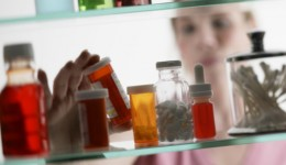 Adult prescriptions in homes pose poison risk to kids, study finds