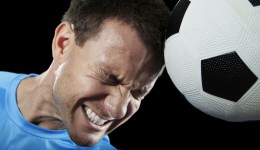 Soccer players who frequently 'head' the ball may be hurting their brain