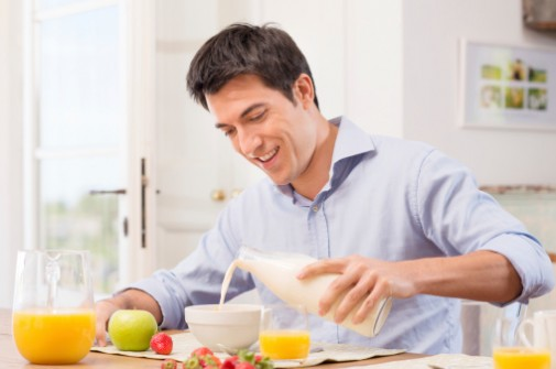 Can skipping breakfast increase your heart attack risk?