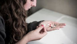 1 in 10 teens abuse pain meds and sedatives