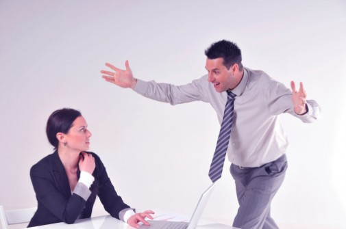6 signs of workplace bullying