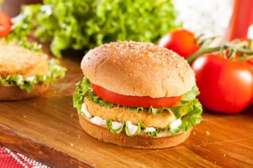 Popular fast food chain to serve antibiotic-free chicken