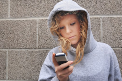 Texting program may help at-risk teen girls