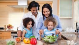 Kids make healthier choices when parents cook