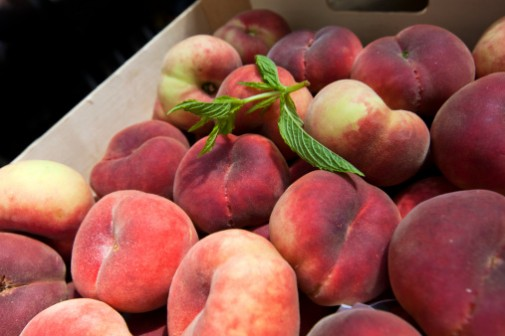 Major grocery chains recalling fruit