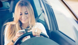 Parents partly to blame for teens' distracted driving