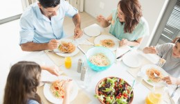 Surprising connection between parents' schedule and kids' health
