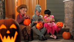Teal Pumpkin Project makes Halloween safer for kids with allergies