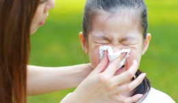 4 steps to stop a nosebleed
