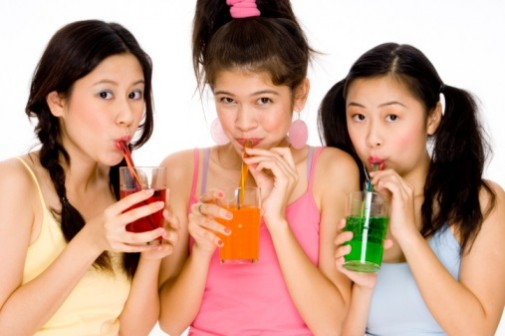 Sugary drinks linked to earlier periods