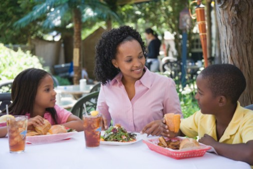 Healthy kids' meal options do work