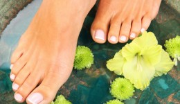10 tips for healthy feet for those with diabetes