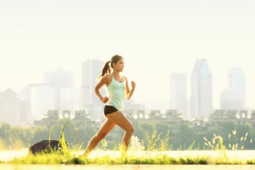 Infographic: 8 tips for safe summer running