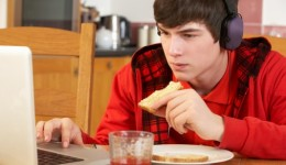 Teens go online for answers to their health questions