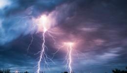 4 common types of lightning strikes