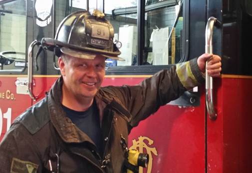 Firefighter is pain-free after hip resurfacing