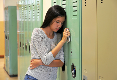 Teens' social media use could signal mental health issues