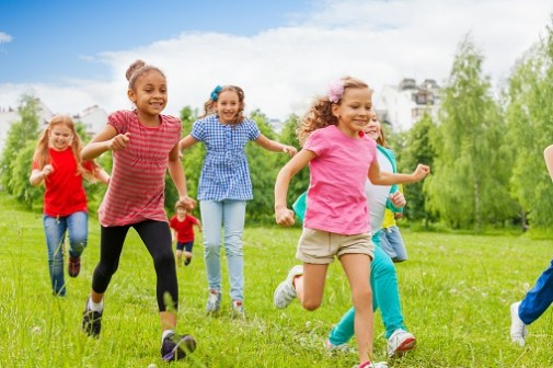 Kids' eyes benefit from the outdoors