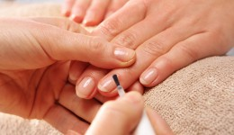 Common ingredient in nail polish may be harmful for women