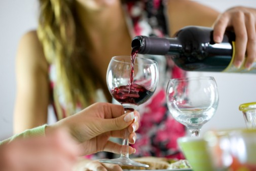 Women of childbearing age should skip alcoholic drinks