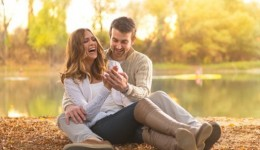 Men fall in love faster than women, study finds