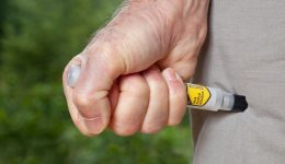 Infographic: The 411 on EpiPens