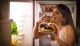 7 foods that actually make you more hungry