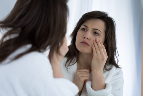Infographic: 4 tips to prevent wrinkles overnight