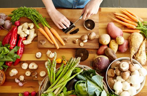 5 ways to fight cancer in the kitchen