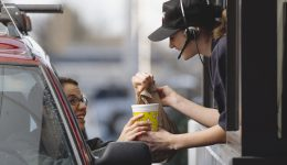6 tips for ordering low-calorie fast food meals