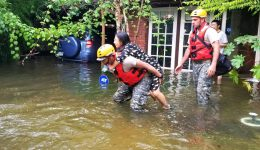 Facebook users unite to provide rescue & relief for Harvey's victims