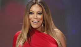 Wendy Williams shines light on Graves' disease