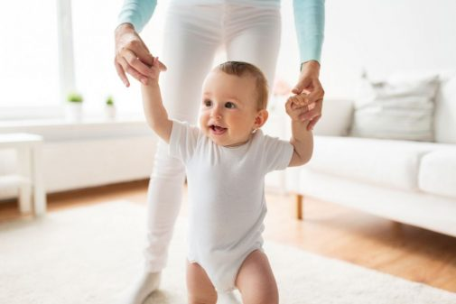 """When should my child take his/her first steps?"" Your questions answered"
