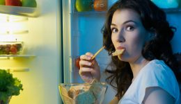 8 tasty and healthy bedtime snacks