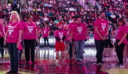 Breast cancer survivors, fighters #PinkOut Chicago Bulls game