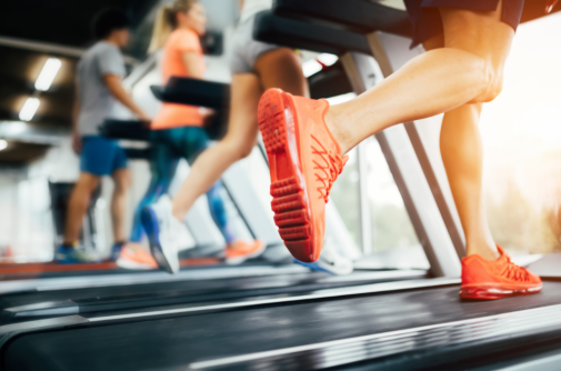 Running outside or on a treadmill: Which is better?