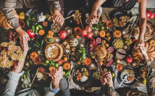 Head to Thanksgiving dinner with these four healthy-eating tips