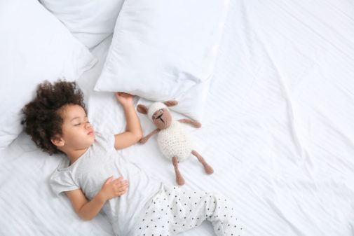 How to help your child's sleep patterns in the summer